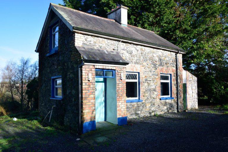 Ivy Cottage | Cootehill – 2 Bed Cottage
