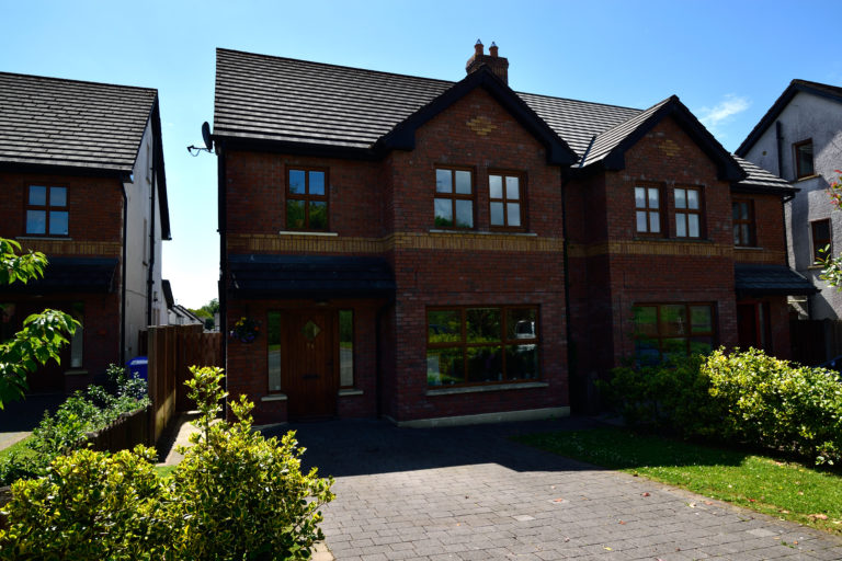 96 Rampart View | 4 Bed Semi-Detached